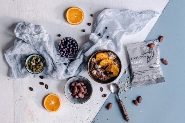 priprava lchf zajtrka z oreški